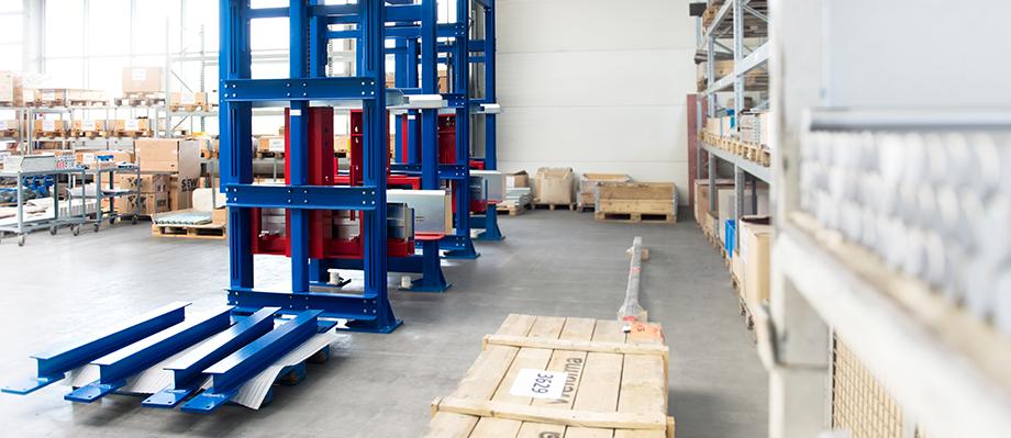 Aus unserer Produktion schnell zu unseren Kunden: Materialfluss-Komponenten von BINDER.