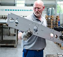 Blechbearbeitung bei BINDER – Erfahrung in der Metallverarbeitung für optimale Ergebnisse.